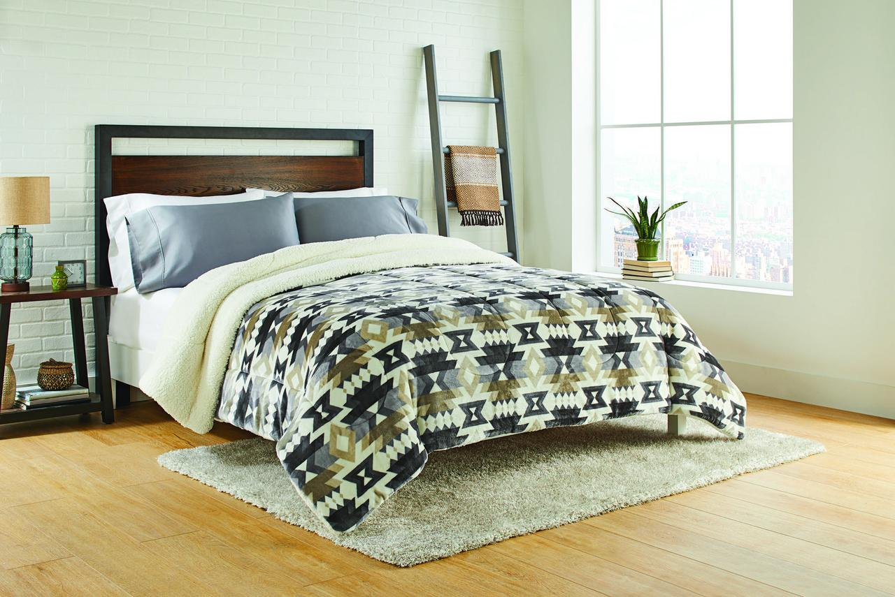 Better Homes & Gardens King Aztec Print Comforter, 1 Each