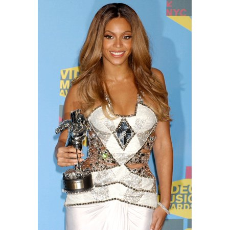 Beyonce In The Press Room For Mtv Video Music Awards VmaS 2006 - Press Room Radio City Music Hall At Rockefeller Center New York Ny August 31 2006 Photo By Kristin CallahanEverett Collection Celebrity