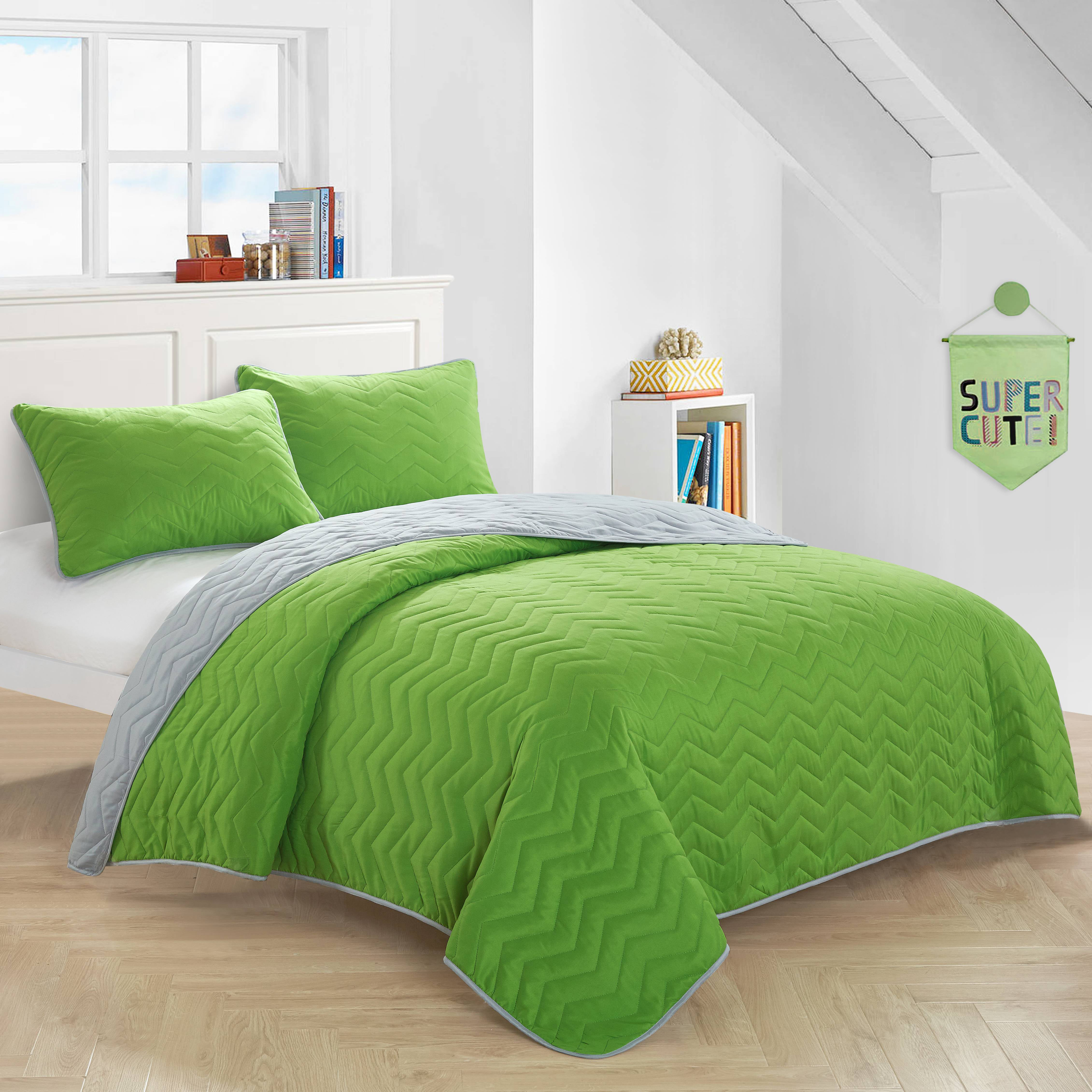 Mainstays Kids Green Reverse To Gray Quilt Set by Idea Nuova