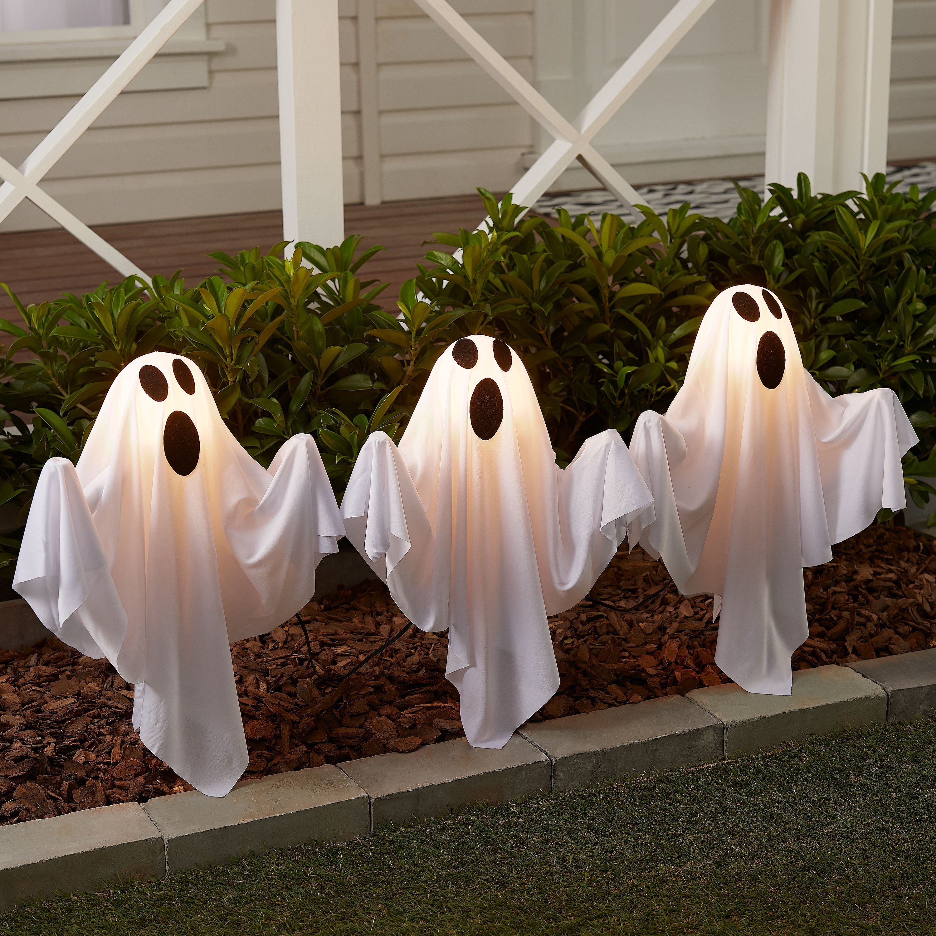 Way to Celebrate Light Up Ghost Lawn Stakes Outdoor Halloween Décor 5 5 ft Set of 3 Walmart