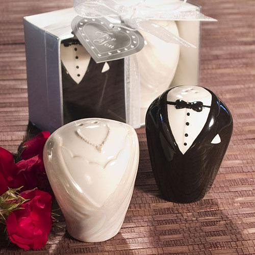 Bride and Groom Salt and Pepper Shakers (1)