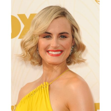 Taylor Schilling At Arrivals For 67Th Primetime Emmy Awards 2015   Arrivals 2 Photo Print