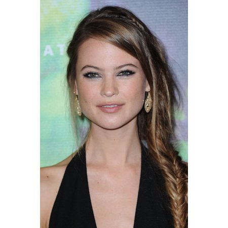Behati Prinsloo At Arrivals For Fragrance Foundation Awards 2014 Canvas Art     16 X 20