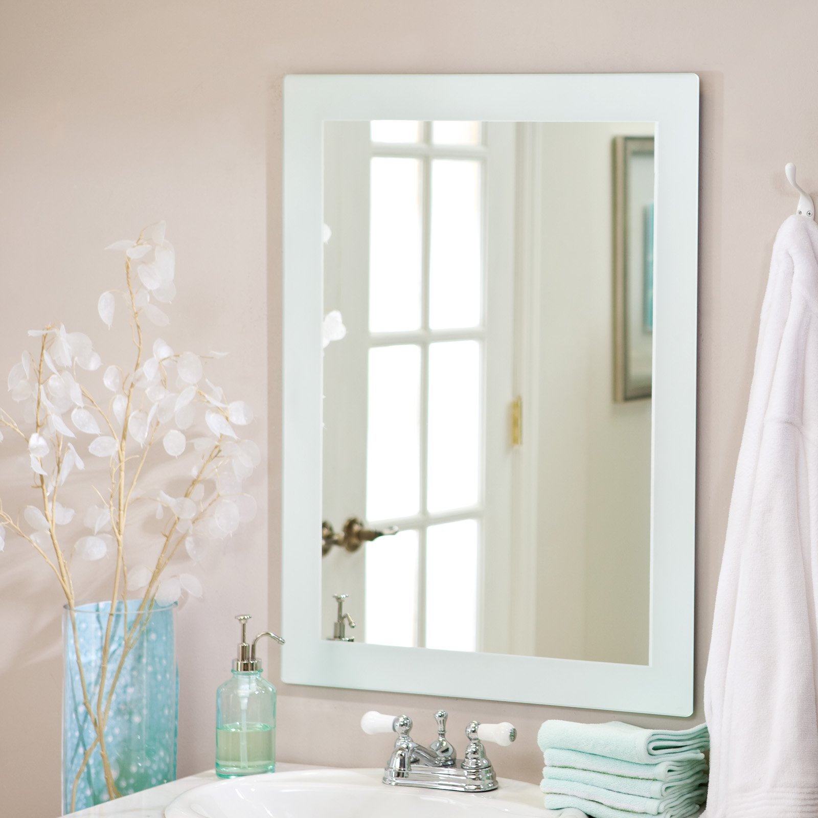 Décor Wonderland Sands Large Wall Mirror - 23.6W x 31.5H in.