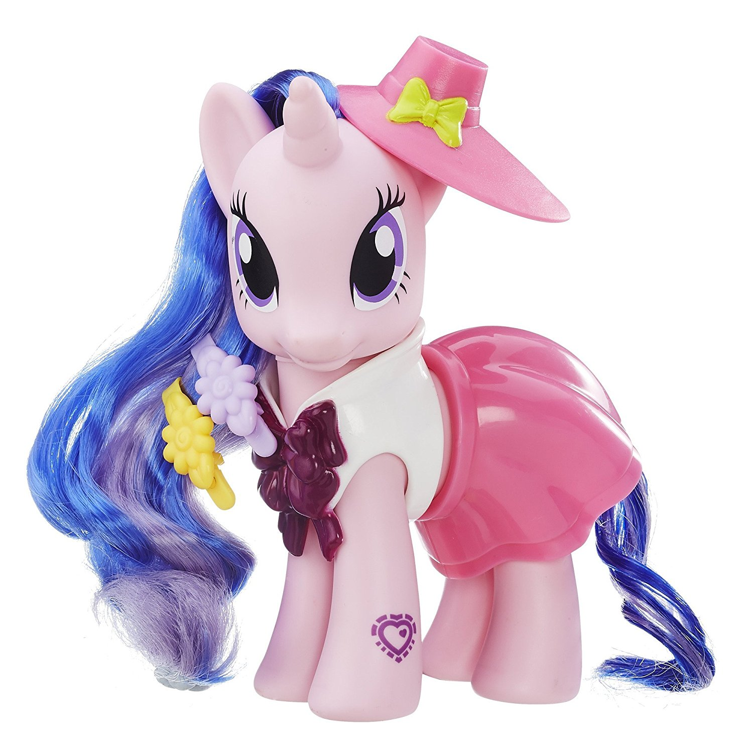 Explore Equestria 6-inch Fashion Style Set Royal Ribbon, Mix-and-match outfits create stylish looks By My Little Pony