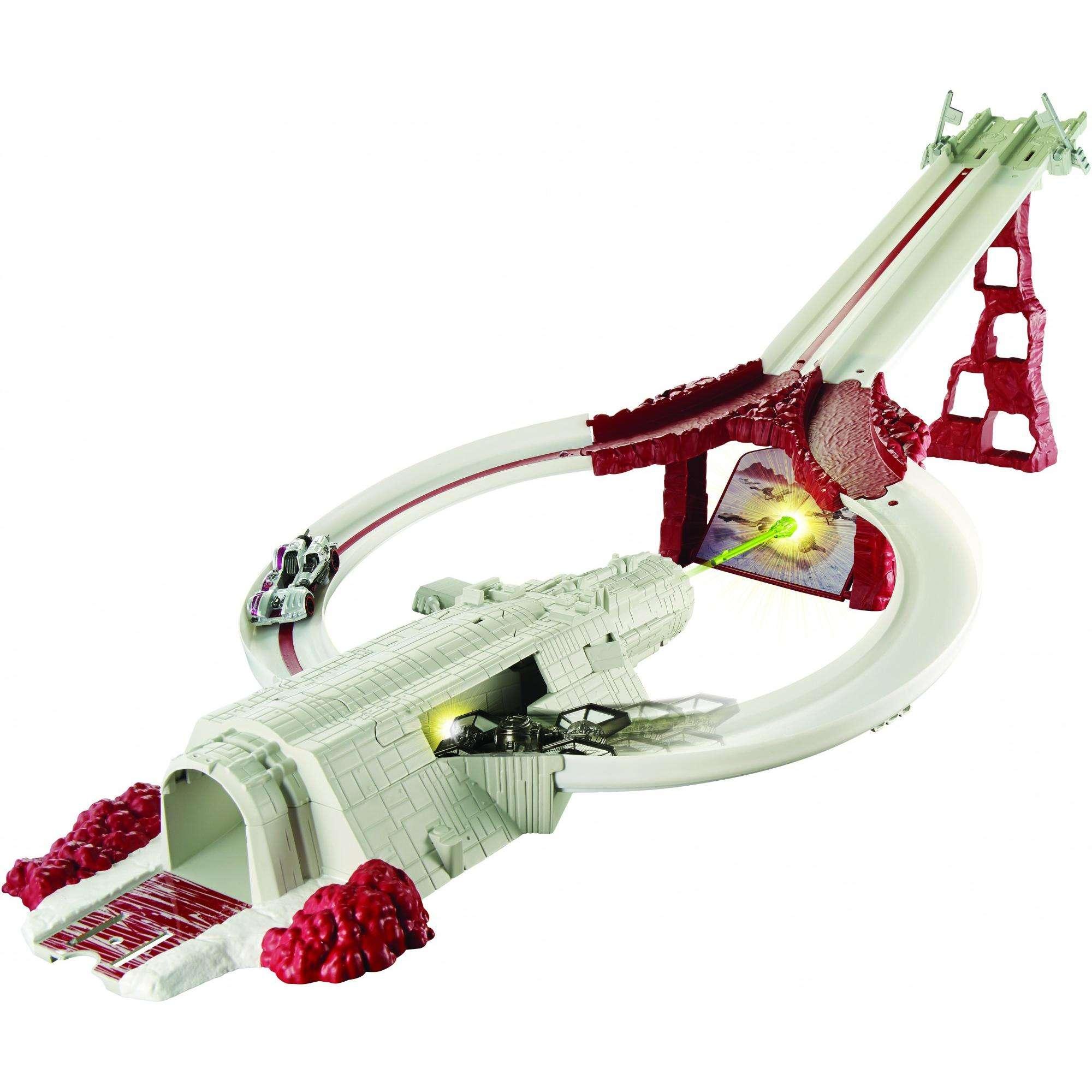 Hot Wheels Star Wars: The Last Jedi Crait Assault Raceway, Track Set by Mattel