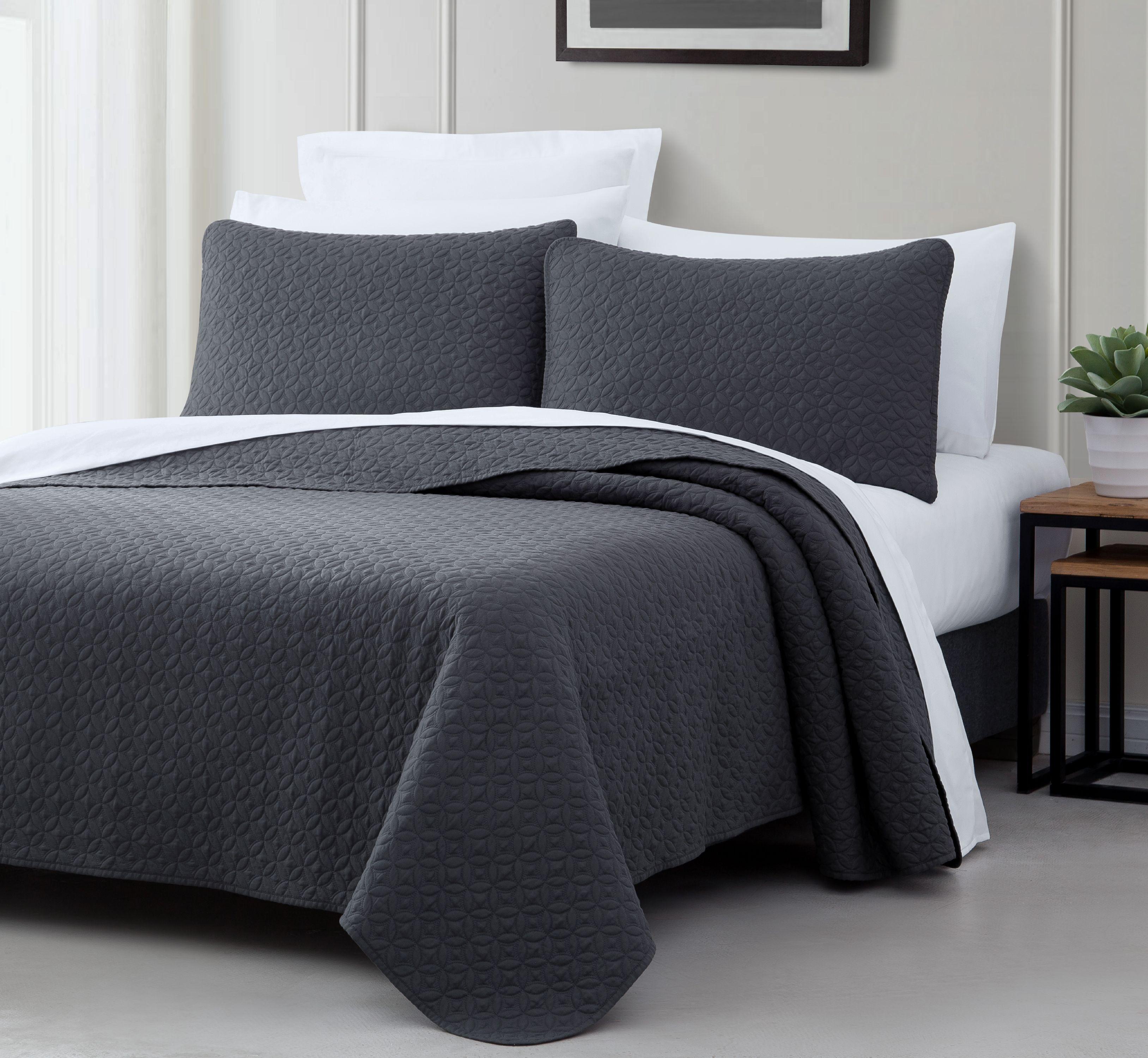 Cozy Beddings Titan 2-Piece Bedspread Coverlet Set