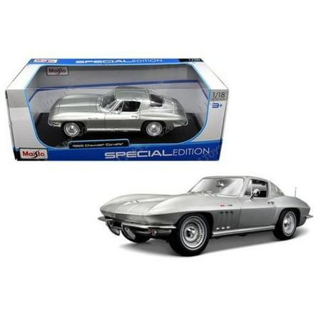 1965 Chevrolet Corvette Silver 1/18 by Maisto 31640