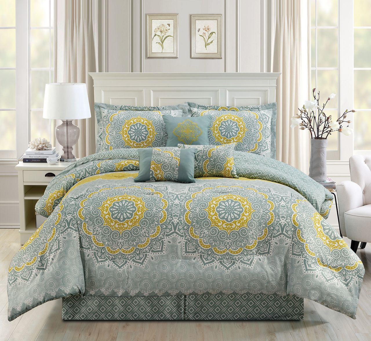 11 Piece Medallion Floral Yellow/Aqua Bed in a Bag Set Queen
