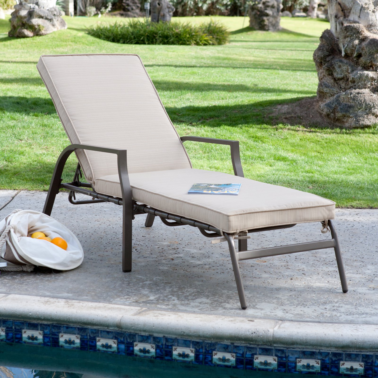 Coral Coast Bellagio Chaise Lounge with Cushion