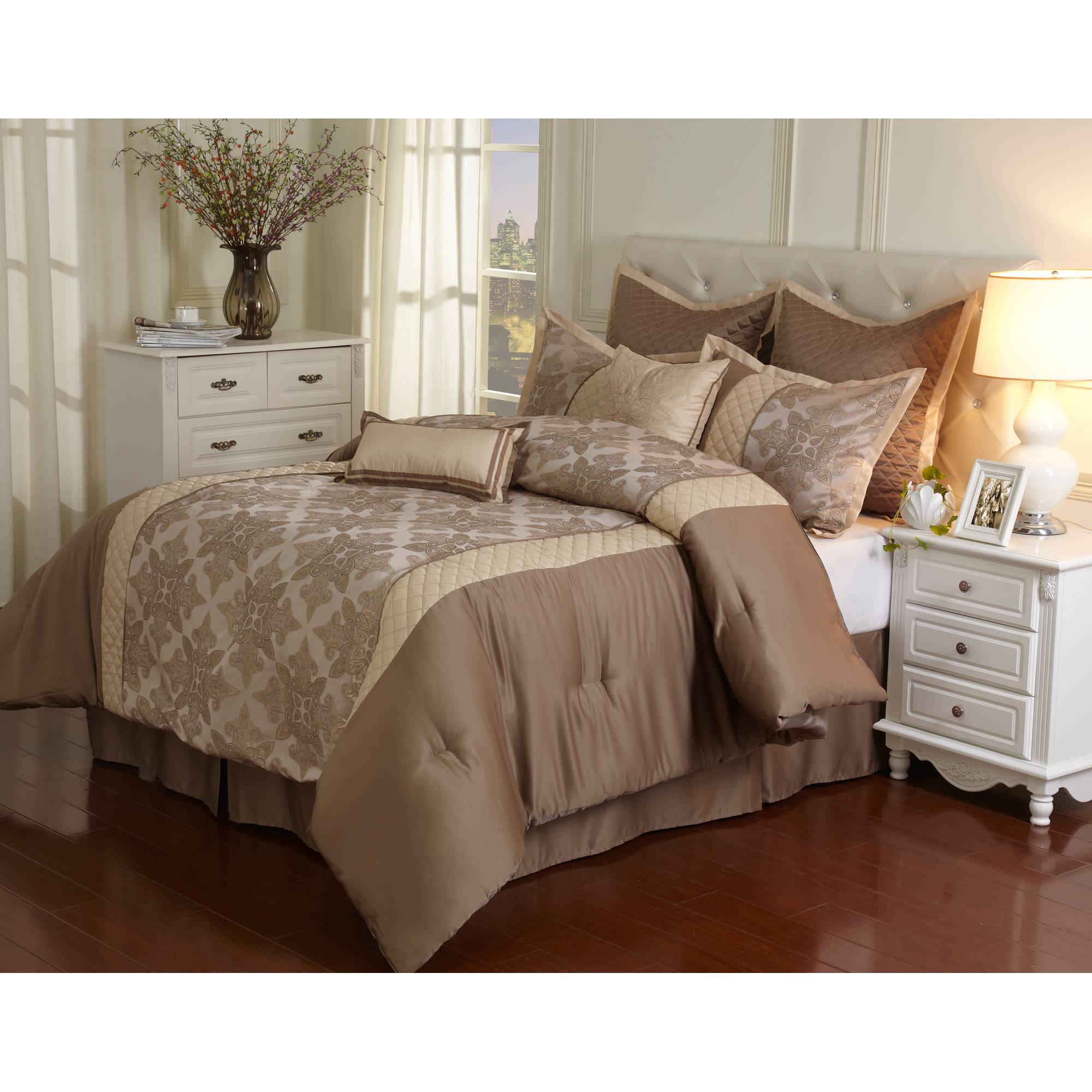 Stratford Park by Nanshing Fairmount 8-Piece Bedding Comforter Set