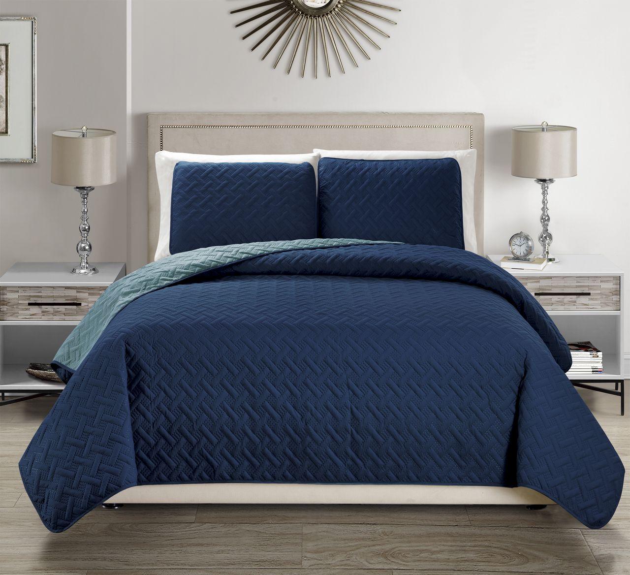 Embossed Reversible Bedspread/Quilt Set
