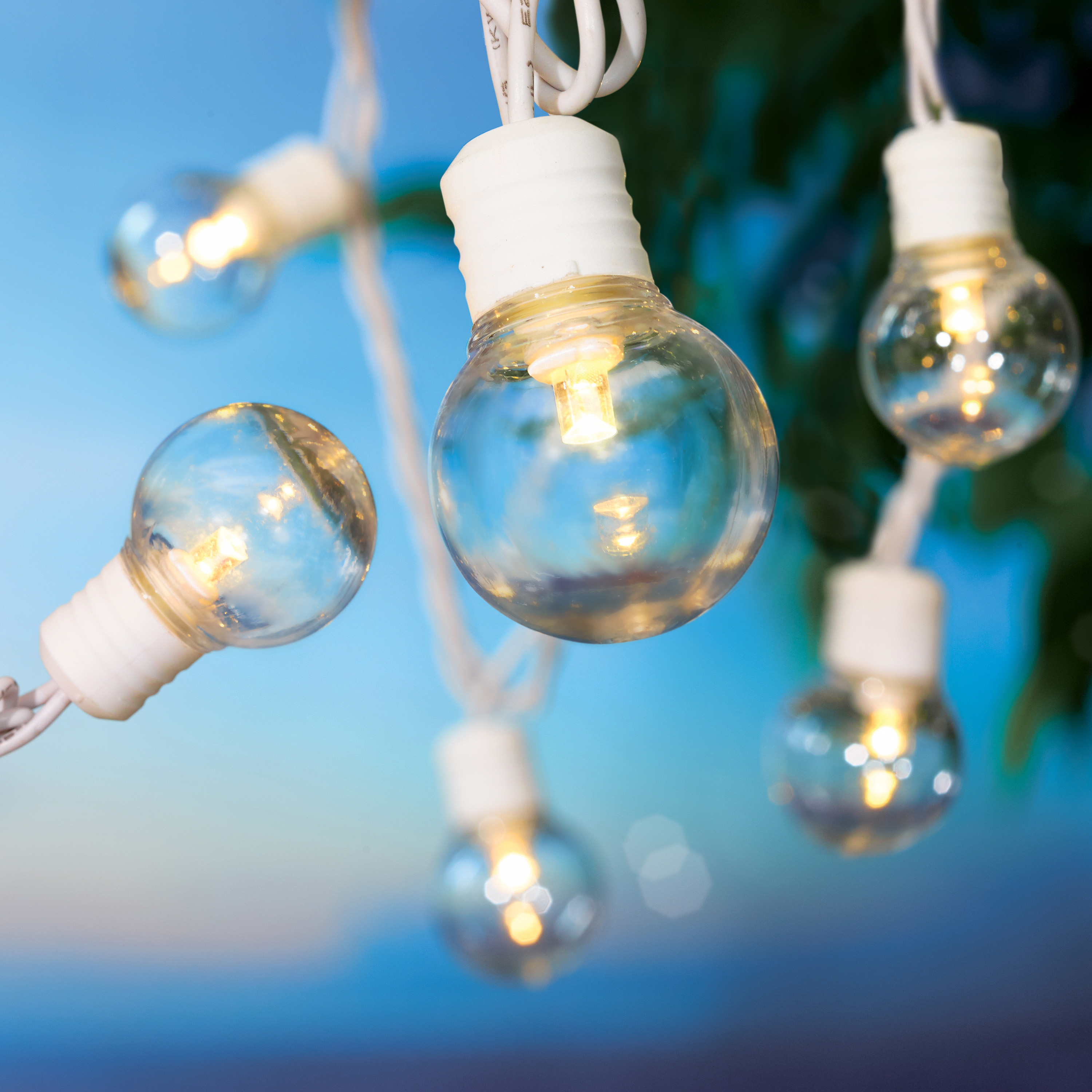 Mainstays 100 Count LED Clear Outdoor Globe Lights - White