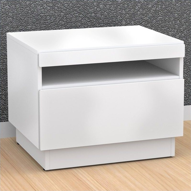 Nexera Blvd End Table in White