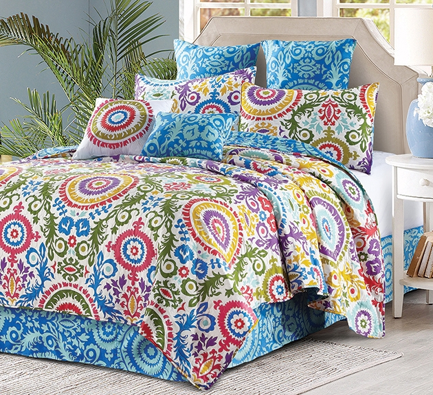 Reversible Contemporary Zara Quilt and Sham Set - King Size