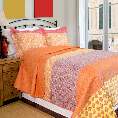 Pegasus Home Fashions Home ID Escapade Reversible Quilt Set
