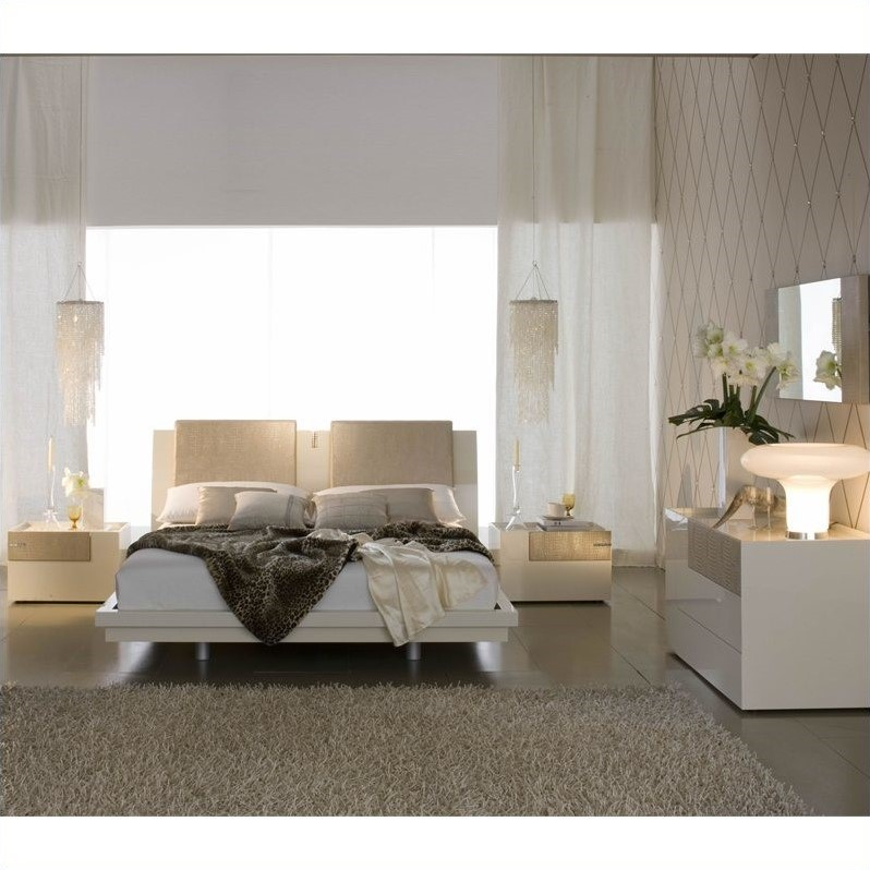 Rossetto Diamond Platform Bed 5 Piece Bedroom Set in Ivory by Rossetto