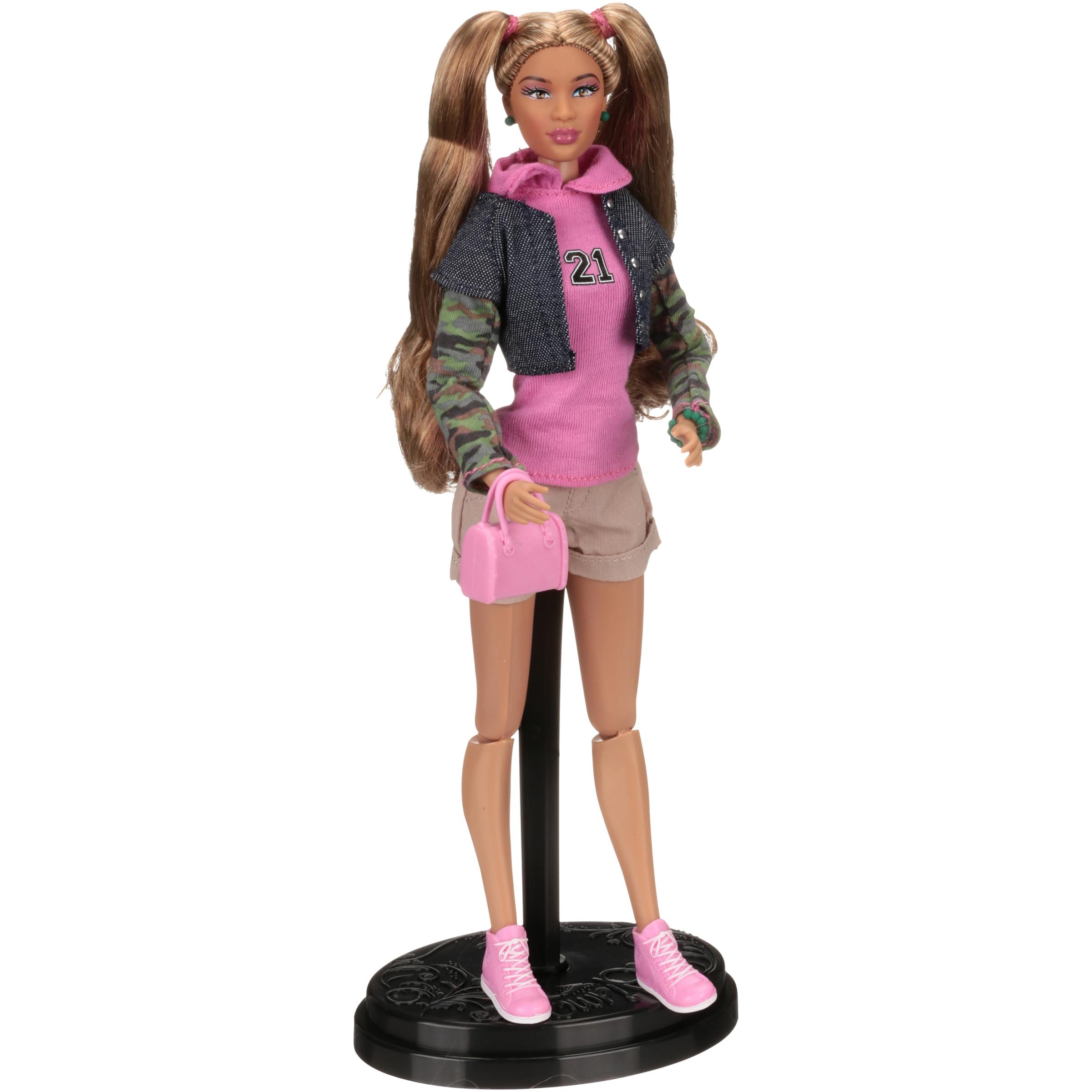 Prettie Girls™ Valencia Doll Box