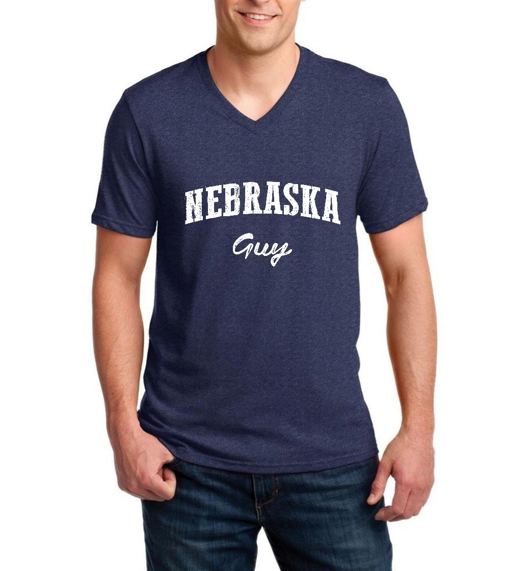 J_H_I NE Guy Nebraska Flag Omaha Map Cornhuskers Home of University of Nebraska Men V-Neck Shirts Ringspun