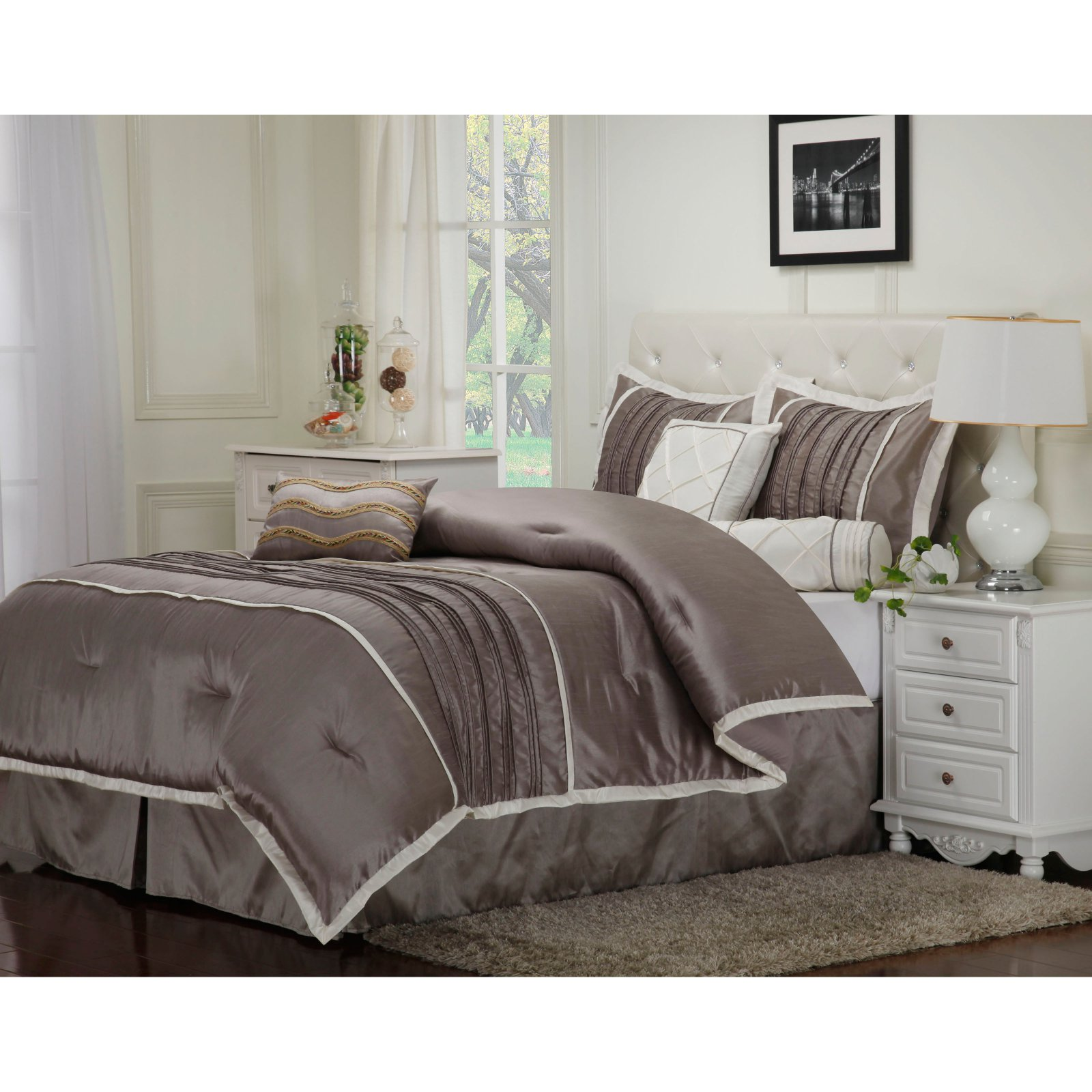Superior Blakely 7 Piece Bedding Set