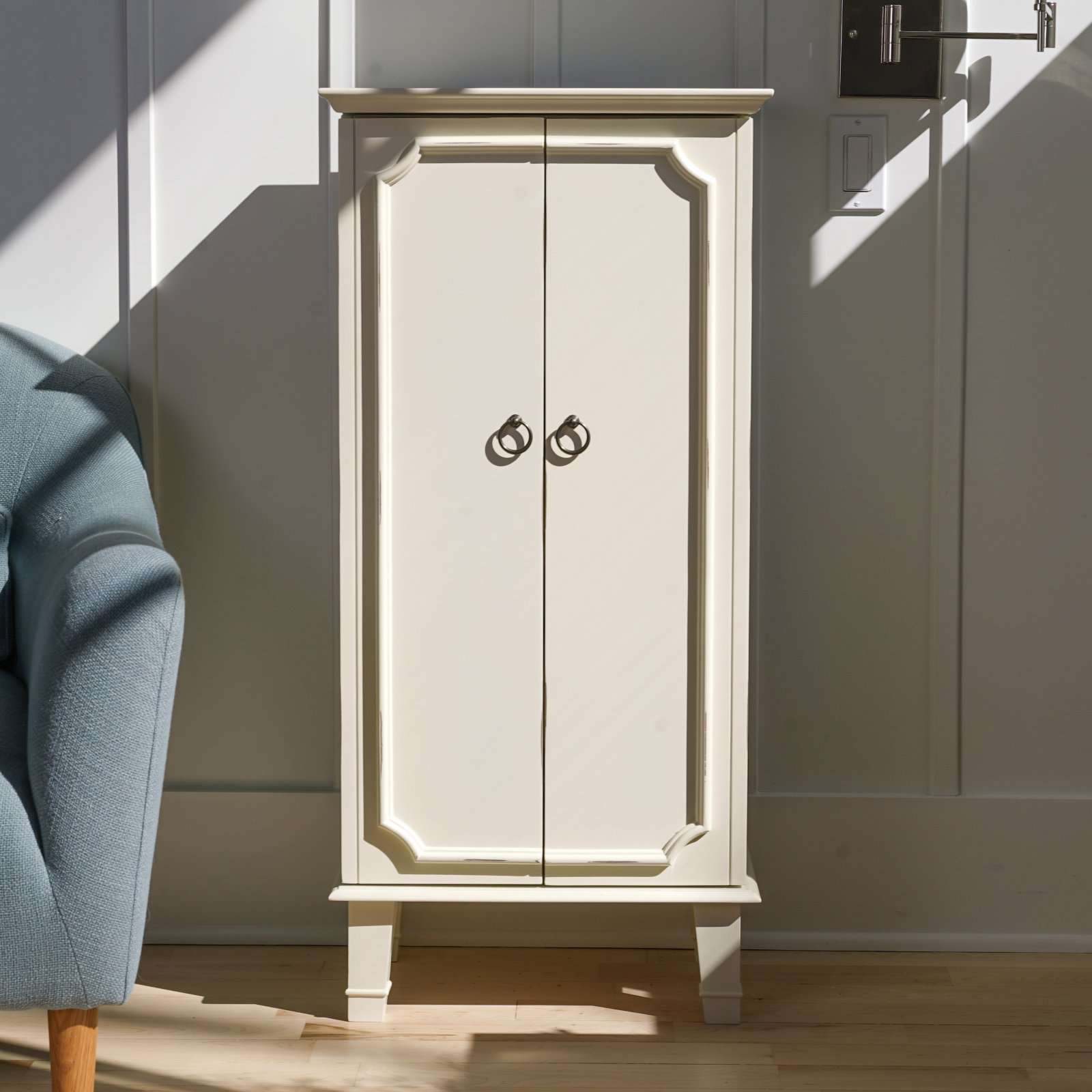Hives & Honey Cabby Jewelry Armoire