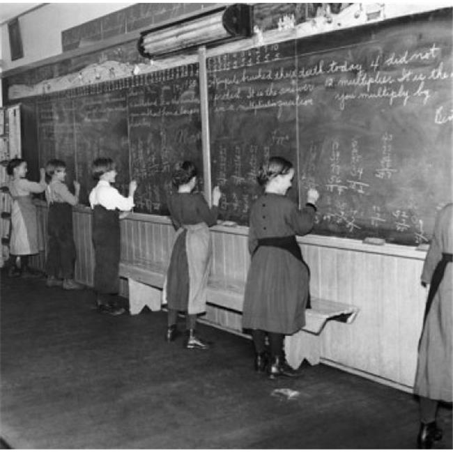 Posterazzi SAL9901927 Students Solving Math Problems on a Blackboard Poster Print - 18 x 24 in. - image 1 de 1