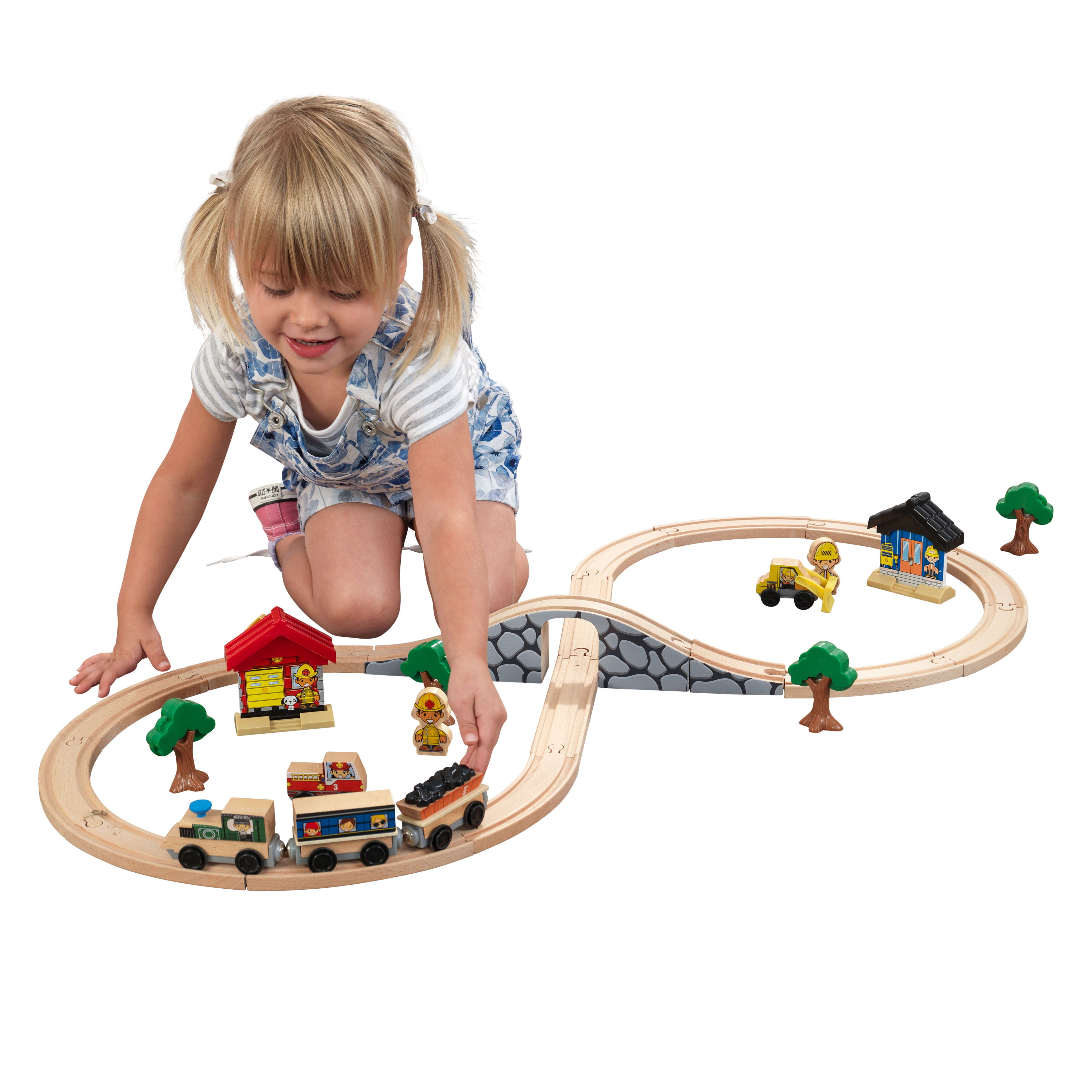 KidKraft Figure 8 Train Set with 38 accessories included