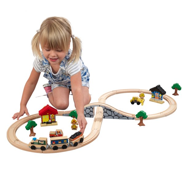 KidKraft Figure 8 Wooden Train Set with 38 Accessories Included