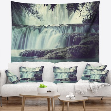 DESIGN ART Designart 'Amazing Waterfall in Mexico' Landscape Wall (Amazing Waterfall)