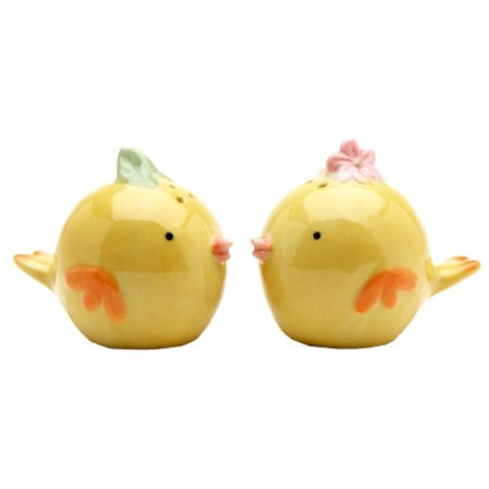 Baby Chick Salt (Whimsical Baby Yellow Chicks Salt and Pepper Shakers Set )