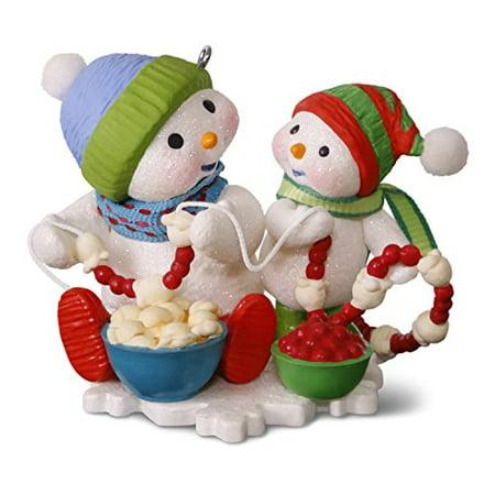 Hallmark Making Memories #10 Stringing Popcorn Keepsake Christmas Ornament