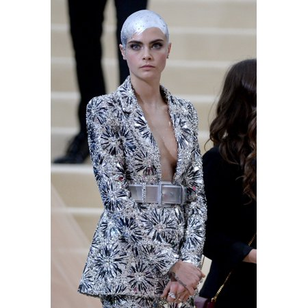 Comme Des Garcons 2 Man - Cara Delevingne At Arrivals For Rei Kawakubo & Comme Des Garcons Costume Institute Gala - Arrivals 2 Mentropolitan Museum Of Art New York Ny May 1 2017 Photo By Kristin CallahanEverett Collection Cele