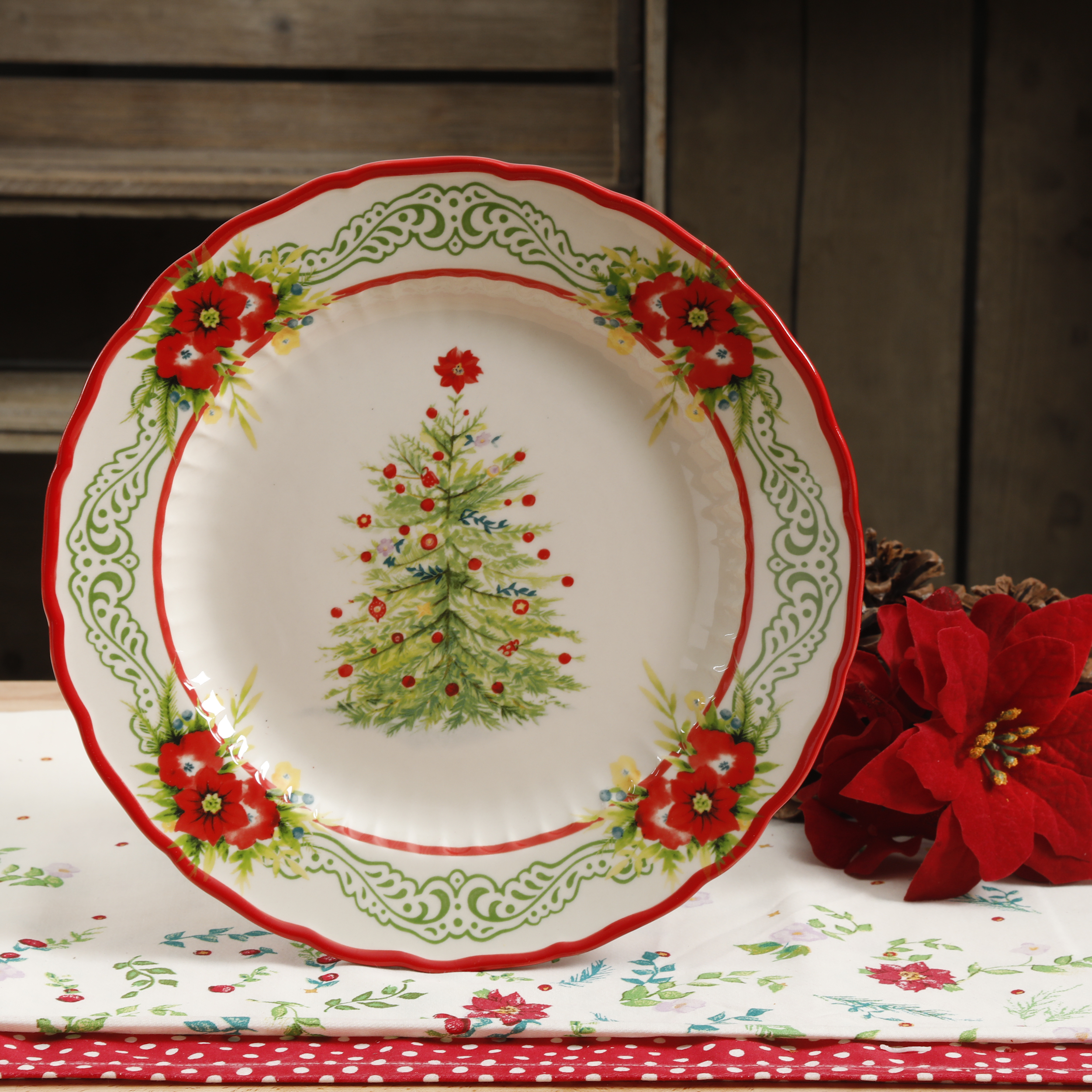 "The Pioneer Woman 10.8"" Garland Dinner Plate"