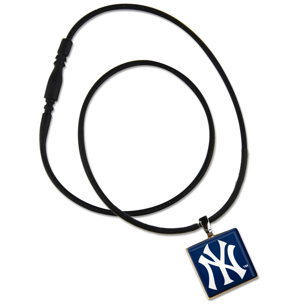 New York Yankees Official MLB 18 inch  Necklace by Wincraft