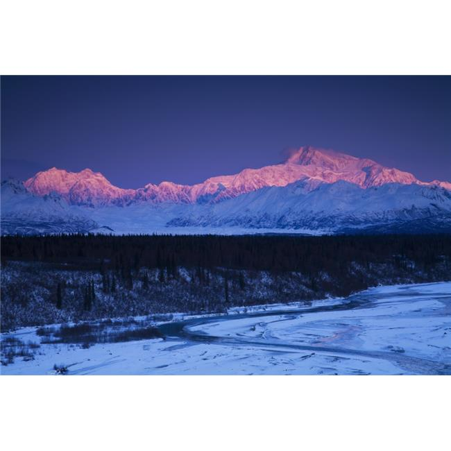 Alpenglow on Mt. Mckinley & Mt. Hunter As Seen From The Denali South Overlook Along The Parks Highway Poster Print - 38 x 24 in. - Large - image 1 de 1
