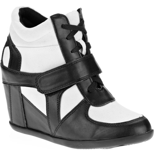 Women's Faux Leather Lace Up Wedge Bootie