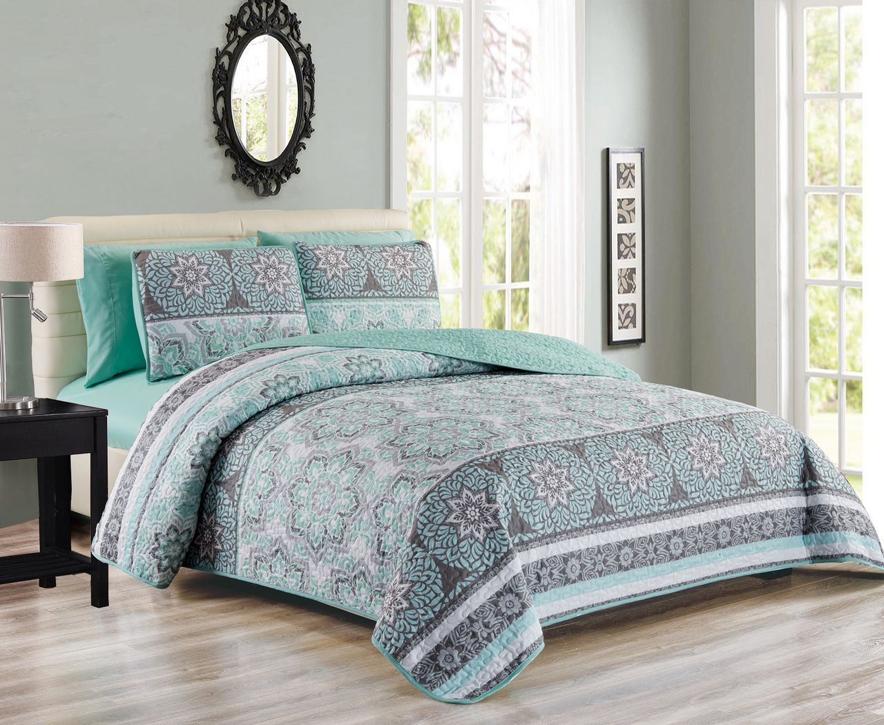 6 Piece Medallion Floral Patchwork Reversible Bedspread Quilt with SHeet Set by