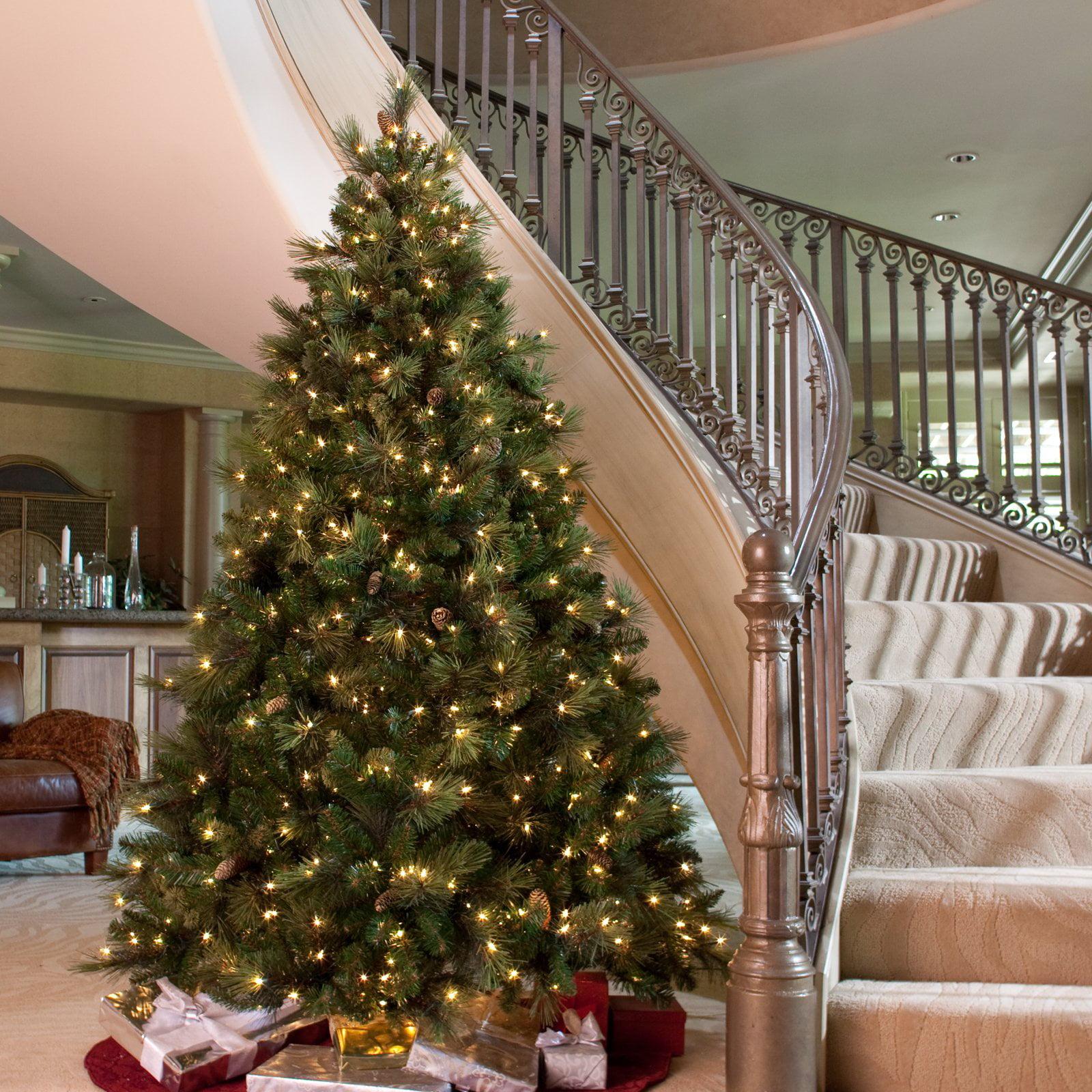 Carolina Pine Full Pre-lit Christmas Tree
