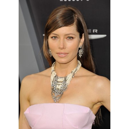 Jessica Biel  Wearing Tom Binns Jewelry  At Arrivals For Total Recall Premiere Canvas Art     16 X 20