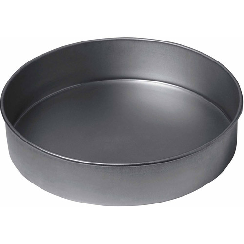 "Amco Focus Products Group 9"" Chicago Metallic Round Cake Pan by Amco Focus Products Group"