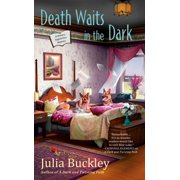 Death Waits in the Dark - eBook