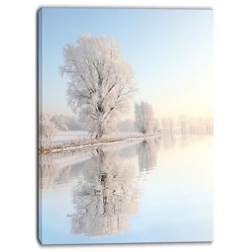 DESIGN ART Designart Frosty Winter Tree by Rising Photo Canvas Art Print by Overstock