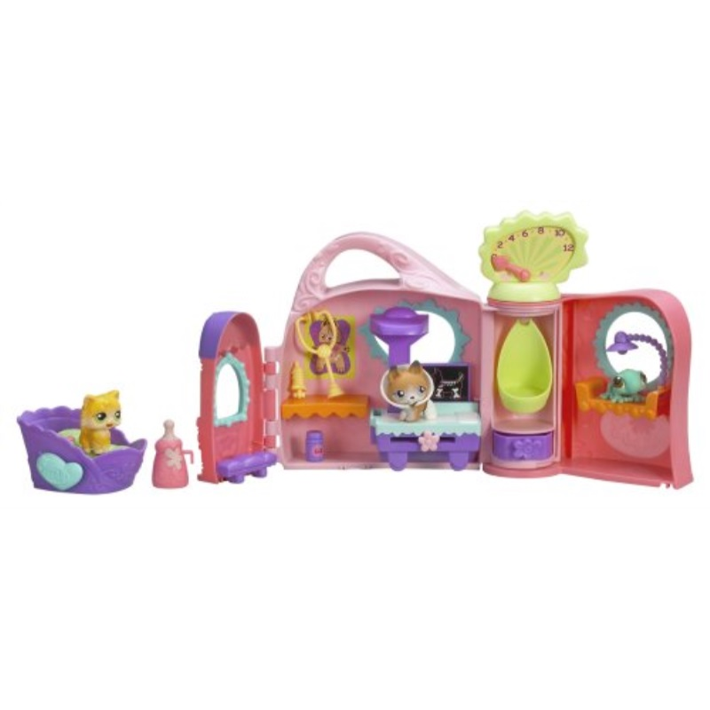 Hasbro Littlest Pet Shop Get Better Center