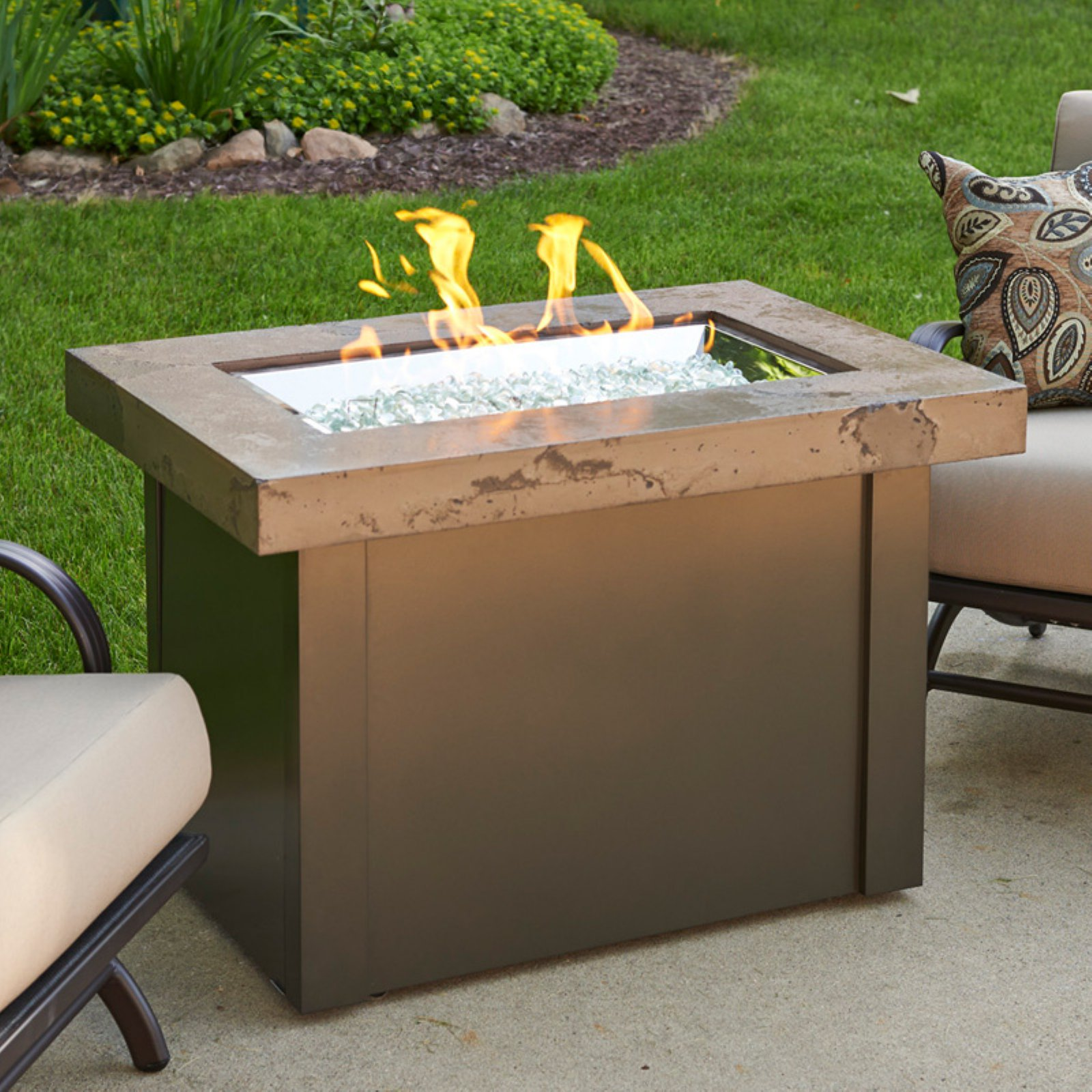 Outdoor GreatRoom Providence Noche 25 in. Fire Table