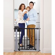 Dreambaby Windsor Security Gate Silver Metal Frame with Dark Wooden Door Fits Openings 28.5-34.5 inches