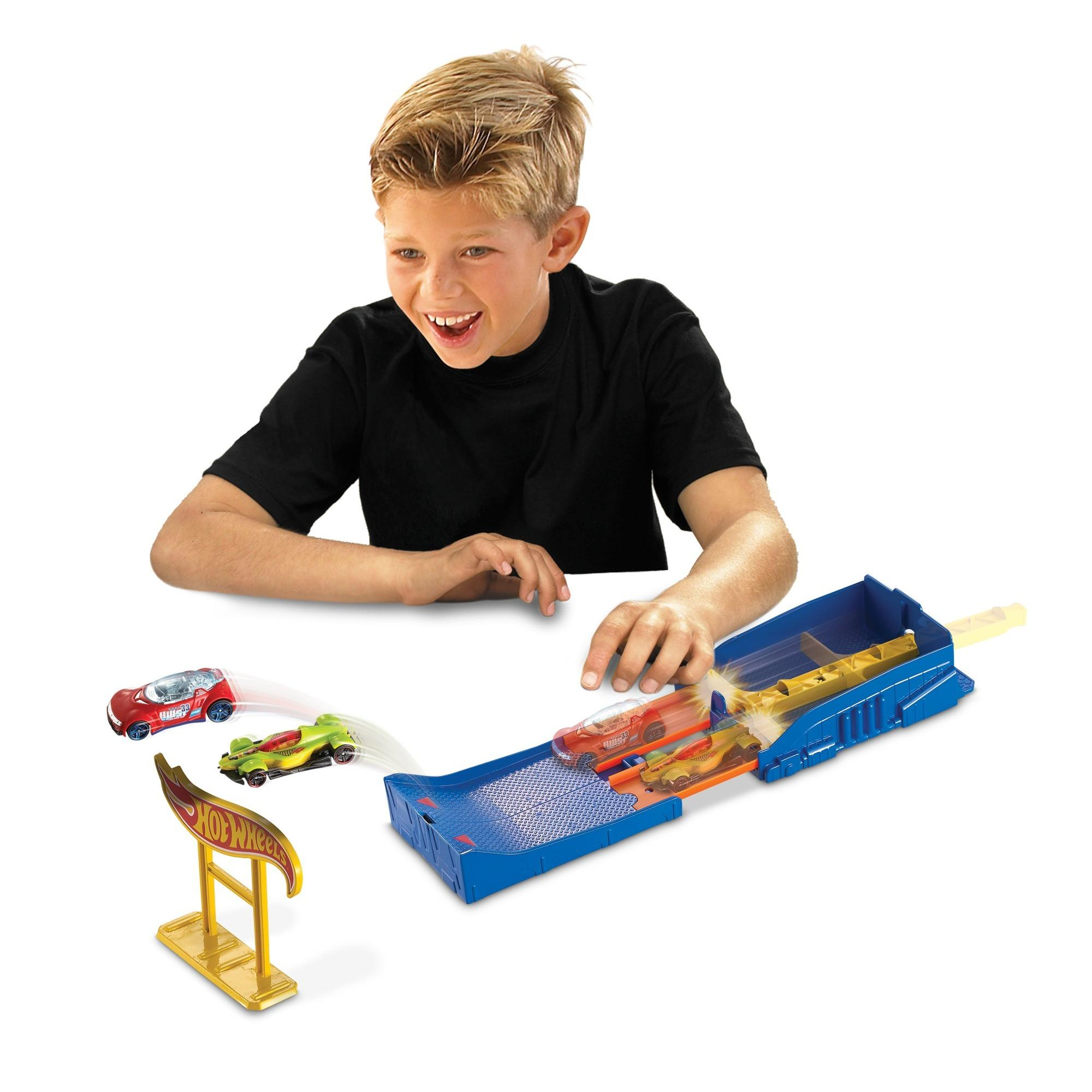Hot Wheels Pocket Raceway Track Set by Mattel