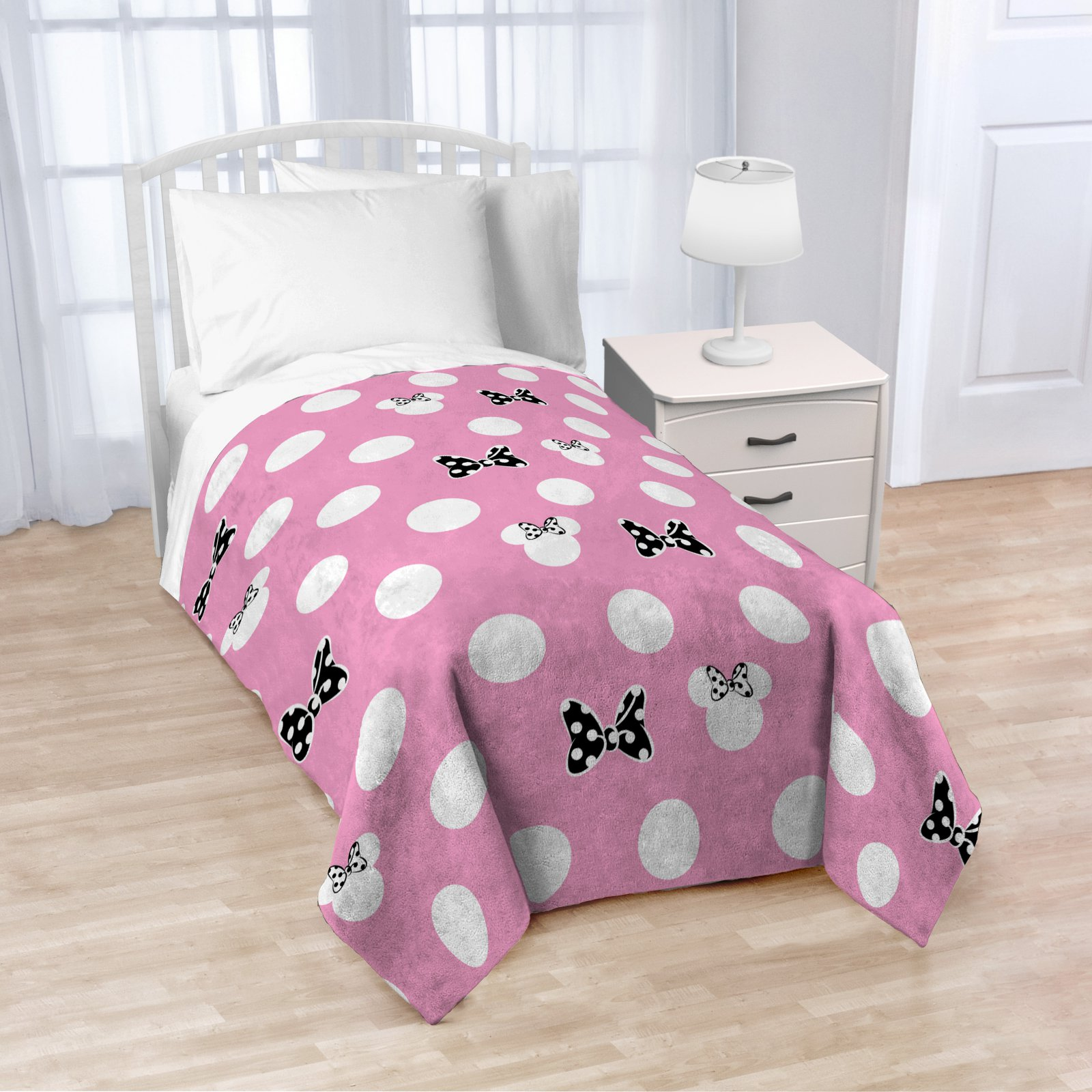 Disney Minnie Mouse XOXO Throw by Disney