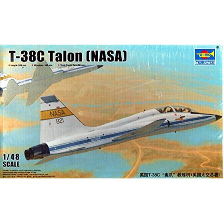 Trumpeter US T-38C Talon (NASA) Model Kit