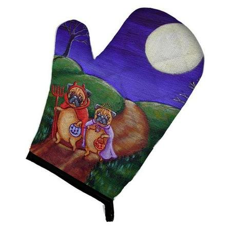 Carolines Treasures 7281OVMT Trick or Treat Halloween Pug Oven Mitt - image 1 de 1