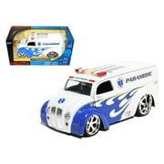 Div Cruiser Bus Paramedics Ambulance 1/24 Diecast Model Car by Jada